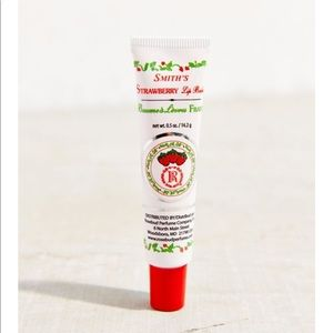 strawberry lip palm